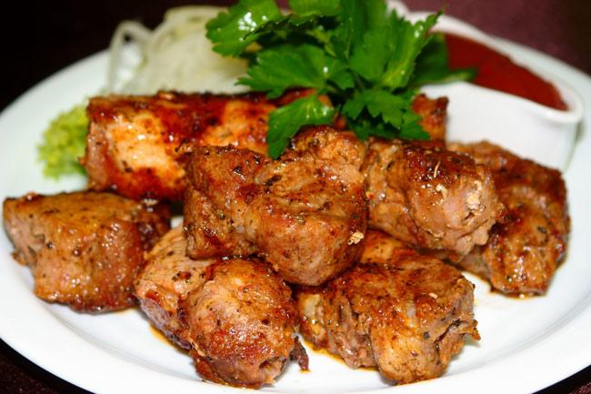 shashlyk-iz-zamorozhennoj-svininy