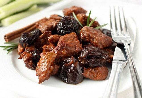 Шашлык из свинины с черносливом