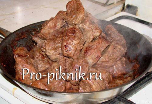 Шашлык из свинины на сковороде дома