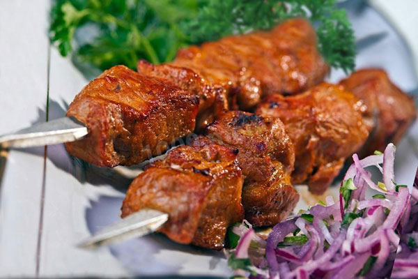 govyazhij-shashlyk-v-marinade-iz-tomatnoj-pasty-i-vina-1